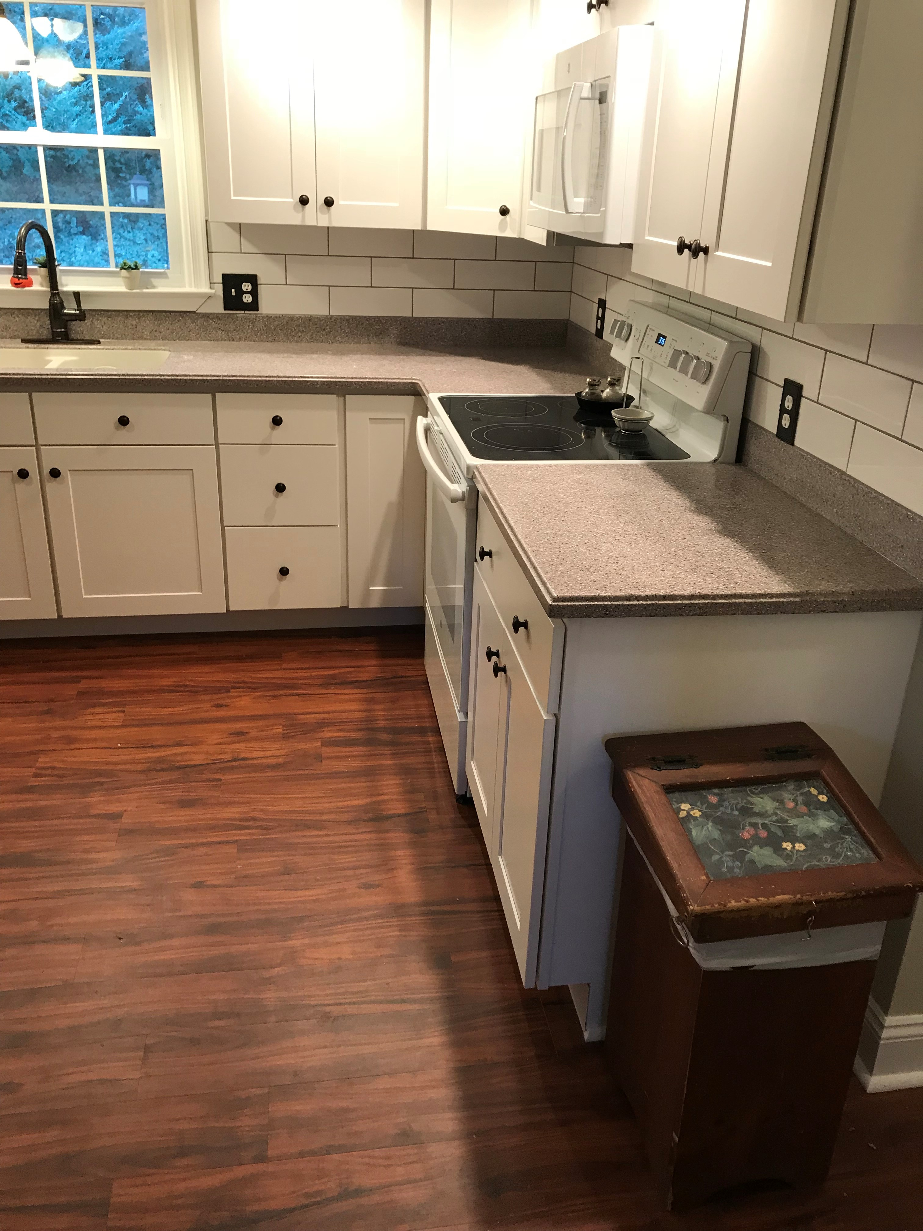 kitchen cabinet repair after right .jpg